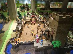 Venlo - Limburgs Museum. Een bijzondere tentoonstelling ivm het 40-jarige bestaan van Playmobil, waarvan mijn kinderen kennelijk tot de eerste groep 'gebruikers' hoorde!G.J. Koppenaal - 24/8/2017.