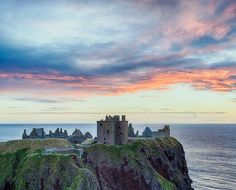 Located near Stonehaven, #Aberdeenshire, how would YOU describe Dunnottar #Castle? : IG/ toresetrephoto Embedded image permalink