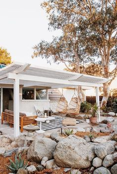 Checking Out Patio Area Layouts – Outdoor Patio Decor Outdoor Spaces, Outdoor Living, Outdoor Decor, Outdoor Rugs, Outdoor Ideas, Palm Springs, Exterior Makeover, Backyard Landscaping, Backyard Patio