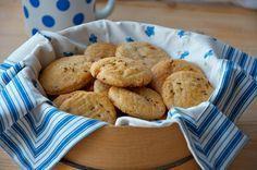 Recept, který je tak dobrý, až je k vzteku. Vztek mám na sebe. Moje předsevzetí, že napeču placky, dám je na blog a nechám je dětem, popří... Muffin, Food And Drink, Cooking Recipes, Treats, Cookies, Baking, Vegetables, Breakfast, Blog