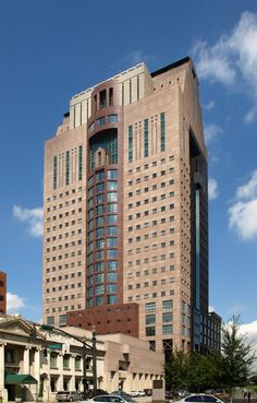 the Humana Building, Louisville, Kentucky, Michael Graves Images 09 from the architect's site Image 04 Source Image 05 Source Image 06 Source Image 07 Source Image Post Modern Architecture, Michael Graves, Bank Of America, Louisville Kentucky, Architectural Photography, Postmodernism, Architects, Fountain, Skyscraper