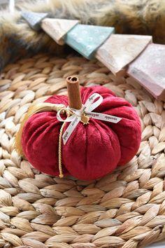 Βελουτε κολοκυθα Gift Wrapping, Gifts, Gift Wrapping Paper, Presents, Wrapping Gifts, Favors, Gift Packaging, Gift