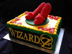 Wizzard of Oz opening night by Giggy's Cakes and Sweets, via Flickr