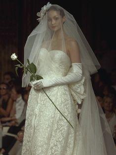 Hanae Mori HC FW 1999 #fashion #moda #dress #vestido #vestidosdenovia #weddingdresses #weddingdress #noiva #bride #whitedress #vestidobranco