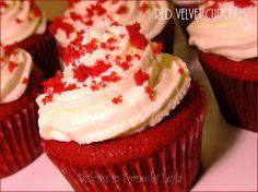 Red Velvet Cupcakes, Mini Cupcakes, Red Velvet Muffins, Chocolate Cupcakes, Cupcake Cakes, Cupcake Recipes, Cupcake Cream, Cupcakes With Cream Cheese Frosting, Halloween Cupcakes