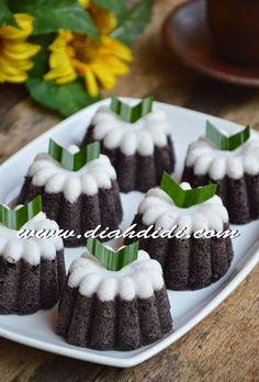 Diah Didi's Kitchen: Putu Ayu Ketan Hitam