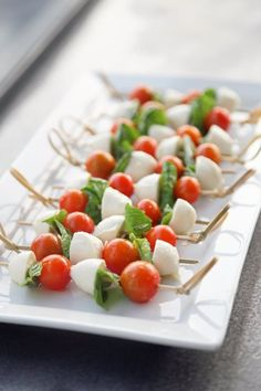 The Best Appetizer Ideas For Summer Yummy Appetizers, Appetizer Recipes, Appetizer Ideas, Caprese Salad Skewers, Tapas, Tomate Mozzarella, Skewer Recipes, Popsugar Food, Summer Side Dishes
