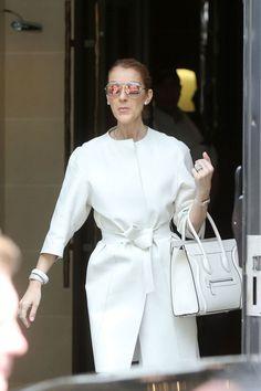 Celine Dion sigue derrochando estilo en París luciendo marcas francesas. ¿Y este cambio?