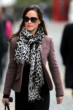 Pippa Middleton Photos: Pippa in a Leopard Print Scarf