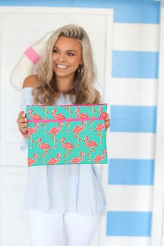Sometimes the right clutch is all that it takes to pull an outfit together! Whether you are planning a night out with your favorite bridesmaids or getting ready together the morning of your big day, this zippered bag is the perfect size to hold everything you need. Flamingo Bikini, Monogrammed Bridesmaid Gifts, Women's Wristlets, Flamingo Pattern, Wet Bag, Pink Patterns, Girl With Hat, Custom Bags, Have Time