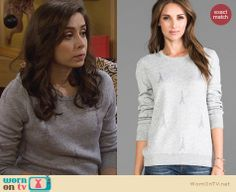 The Mother's grey Eiffel Tower sweater on How I Met Your Mother. Outfit Details: http://wornontv.net/26414 #HIMYM #fashion