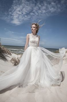 4955e01e24ea Αέρινο νυφικό ΓΙΩΤΑ ΚΑΛΟΓΕΡΟΠΟΥΛΟΥ με τούλι και οργάντζα. Δείτε το στο  Gamos Portal Blog!  weddingdress  gamosportal