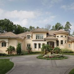 Tuscan style – Mediterranean Home Decor Tuscan Style Homes, Mediterranean Style Homes, Beautiful House Plans, Beautiful Homes, House Like Palace, Home Exterior Makeover, Mansions Homes, Dream House Exterior, Gothic House