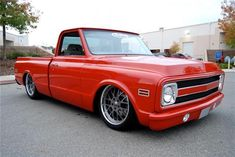 lowered with big lip - The 1947 - Present Chevrolet & GMC Truck Message Board Network Chevy Pickup Trucks, Classic Chevy Trucks, Chevy C10, Chevy Pickups, Chevrolet Trucks, Bagged Trucks, Lowered Trucks, C10 Trucks, Vintage Trucks
