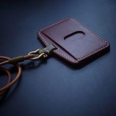 #leathergoods #handmade #leatherwork #leathercraft #白馬手造 Leather Wallet Pattern, Sewing Leather, Leather Card Case, Leather Gifts, Handmade Leather, Leather Craft, Edc Bag, Leather Luggage, Leather Projects