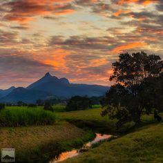 Murwillumbah, Murwillumbah, Australia - Sunset over the iconic Mt...