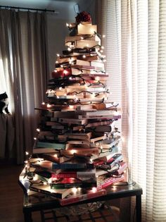 book Christmas tree, #unconventional