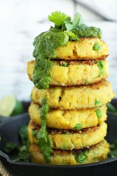 10-ingredient samosa potato cakes with peas and a 5-ingredient green chutney. The perfect side dish to any Indian meal!