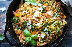 What's on the menu for dinner tonight? We love this pasta and zucchini noodles  Adding zucchini noodles is a great way to increase your veggie intake when having a pasta dish for dinner #fibre #vegetables #5aday  #food #foodie #fitness #fitfam #glutenfree #glutenfreefood #allergy #intolerance #vegetarian #vege #veggiesofig #health #healthy #love #london #happy #happiness #instafoodie #fitfam