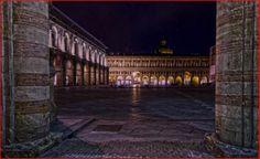 Bologna (Italia) Scorcio di  Piazza Maggiore