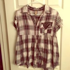 Free People Plaid Babydoll Top Tie back short sleeve. Plaid with black floral contrast on button placket and pocket. XS. If you like it ..... MAKE AN OFFER!!!  ❤️ Free People Tops