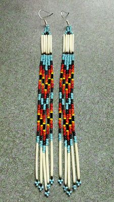 Details about Native american style beaded necklace / medallion with matching earrings porcupine quillwork native american lakota Indian Beadwork, Native Beadwork, Native American Beadwork, Native American Fashion, Native American Earrings, Beaded Earrings Native, Beaded Earrings Patterns, Seed Bead Patterns, Beading Patterns