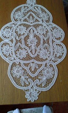 This Pin was discovered by Sve Lace Patterns, Crochet Patterns, Romanian Lace, Parchment Cards, Point Lace, Needle Lace, Lace Making, Cutwork, Crochet Lace