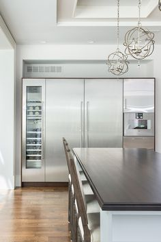 43 Astonishing Kitchen Ideas With Integrated Refrigerator Luxury Kitchens Astonishing Ideas Integrated Kitchen Refrigerator Kitchen Dinning, Ikea Kitchen, Kitchen Decor, Kitchen Ideas, Kitchen Layouts, Island Kitchen, Kitchen Modern, Luxury Kitchens, Cool Kitchens