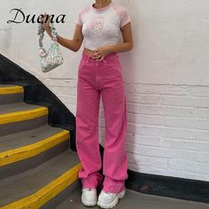 Pink Jeans Outfit, Colored Jeans Outfits, Pink Pants, Bright Pants, Colored Pants, Colourful Outfits, Trendy Outfits, Fashion Outfits, Trendy Jeans