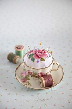 How adorable is this vintage tea cup and saucer repurposed as a pin cushion? You could still use it when displayed on a cup and saucer stand! Fabric Crafts, Sewing Crafts, Teacup Crafts, Teacup Decor, Cute Embroidery, Embroidery Thread, Embroidery Patterns, Knitting Patterns, Ideias Diy