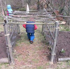 19 DIY backyard play spaces kids will LOVE! Backyard Play Spaces, Outdoor Play Spaces, Kids Outdoor Play, Backyard For Kids, Outdoor Fun, Natural Outdoor Playground, Backyard Fort, Play Yard, Outdoor School