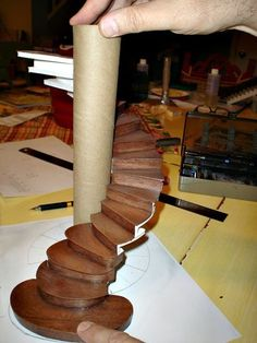miniature furniture Miniature Endeavors: Planning a Miniature Spiral Staircase Dollhouse Tutorials, Diy Dollhouse, Dollhouse Miniatures, Dollhouse Staircase, Haunted Dollhouse, Victorian Dollhouse, Modern Dollhouse, Miniature Crafts, Miniature Houses
