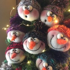 needle felted animals Looking for a cute Christmas gift? So cute on a shelf, in the tree, on the dash of your car. Felt Christmas Decorations, Felt Christmas Ornaments, Unique Christmas Gifts, Christmas Snowman, Santa Ornaments, Father Christmas, Tree Decorations, Christmas Trees, Felt Snowman