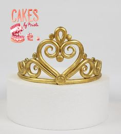 This listing is for 6 Fondant Tiara. The tiara is painted with edible metallic paint and formed around a foam cake dummy. Foam dummy is shipped with every order due to the pieces fragility. This tiara is ideal for a 8 round cake. Please select Fondant Crown, Gold Fondant, Crown Cake, Gold Cake, Fondant Toppers, Fondant Cakes, Cupcake Cakes, Easy Cake Decorating, Cake Decorating Techniques