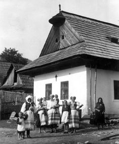 Bacúch Eastern Europe, Old Photos, Westerns, Nostalgia, Culture, Embroidery, Country, Party, Painting