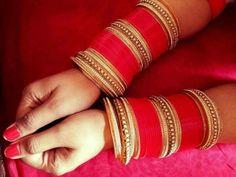Red and gold chudiyan