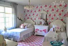 Dear Lillie: The Girls' Christmas Bedroom Dear Lillie, Christmas Bedroom, Shabby Chic Bedrooms, Little Girl Rooms, Cottage Chic, Girls Bedroom, Toddler Bed, House Styles, Charleston