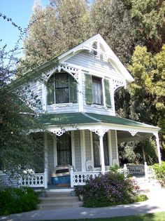 Paddison House, Norwalk, CA Victorian Architecture, Architecture Details, Abandoned Houses, Old Houses, Victorian Style Homes, Victorian Cottage, My Dream Home, Dream Homes, Types Of Houses