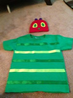 Very Hungry Caterpillar Costume For Character Day At School. Story Book Costumes, Storybook Character Costumes, World Book Day Costumes, Storybook Characters, Easy Book Week Costumes, Book Characters Dress Up, Character Dress Up, Teacher Costumes, Boy Costumes