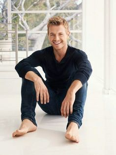 Rick Cosnett Central - cw-shows: So if you could have any super power,. Mode Masculine, Rick Cosnett, Trevor Donovan, Hottest Male Celebrities, Hottest Actors, Celebs, Barefoot Men, Male Feet, Famous Men