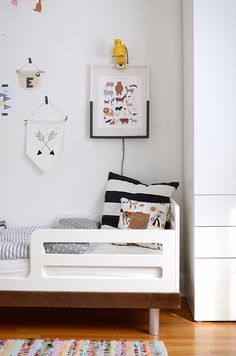 DIY Painted Dipped Frame and an Update on the Kids' Room
