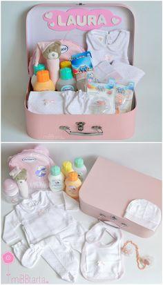 Girl Gift Baskets, Baby Gift Hampers, Baby Hamper, Baby Gift Box, Baby Girl Gifts, Baby Shower Baskets, Baby Baskets, Baby Shower Parties, Baby Boy Shower