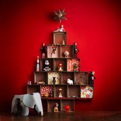 Un árbol de Navidad con cajas