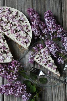 Lilac Cream Cake - http://greenspiritadventures.org/2014/06/09/lilac-cream-cake/