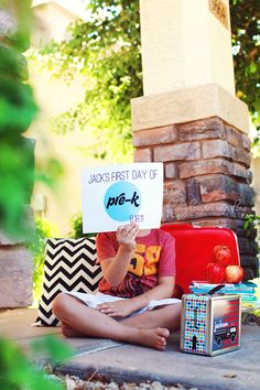 Back to School / First Day of School Photo Ideas - free printables