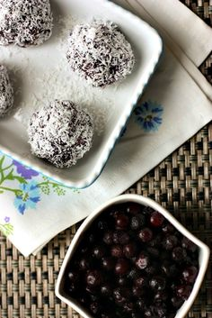 Raw Wild Blueberry Balls10 Medjool dates, pitted  1/4 cup raw almonds  1/4 cup raw cashews  1/3 heaping cup wild blueberries  1 tsp vanilla extract  1 Tbsp almond butter  Shredded coconut (unsweetened)