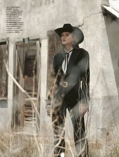 Valery Kaufman for Elle France October 2018 Valery Kaufman for Elle France October 2018 Fashion Shoot, Editorial Fashion, Boho Fashion, Autumn Fashion, Valery Kaufman, Cowgirl Costume, Mode Costume, Urban Cowboy, Western Chic