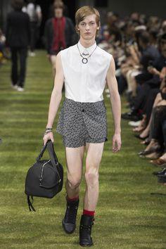 Dior Homme Spring 2018 Menswear Collection Photos - Vogue