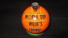 ORIGINAL 1966 WORLD CUP WILLIES FOOTBALL SWEETIE TIN MADE BY LOVELLS