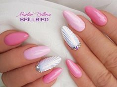 The advantage of the gel is that it allows you to enjoy your French manicure for a long time. There are four different ways to make a French manicure on gel nails. Classy Nails, Fancy Nails, Stylish Nails, Cute Nails, Pretty Nails, Sea Nails, Wall Nails, Pink Nails, Pink Summer Nails